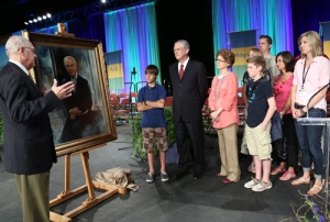 Unveiling of portrait